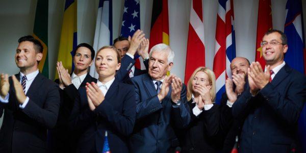 etykieta i protokół dyplomatyczny